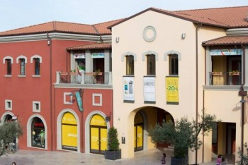 Citta Sant\'Angelo Outlet Village - Outlet Malls