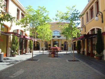 Las rozas village madrid outlet malls - The first outlet las rozas ...
