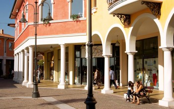 Mantova Outlet Village - Outlet Malls